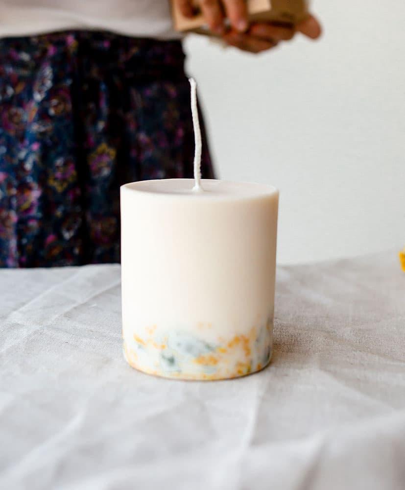 Bougie Marigold aux fleurs séchées