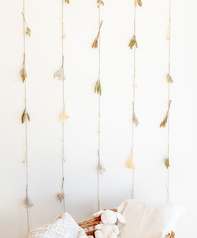 Snowflake dried flowers curtain