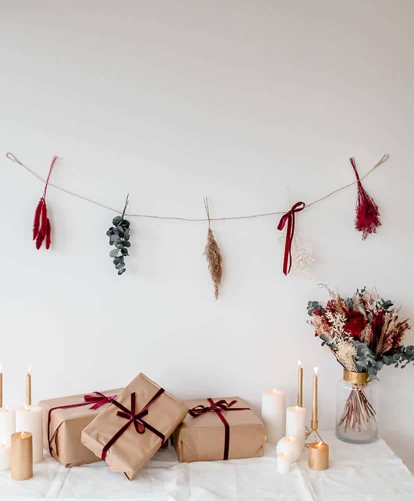 Guirlande fleurs sechees rouge