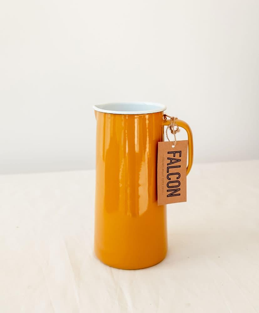 Vase carafe en émail jaune moutarde Rosa Cadaqués